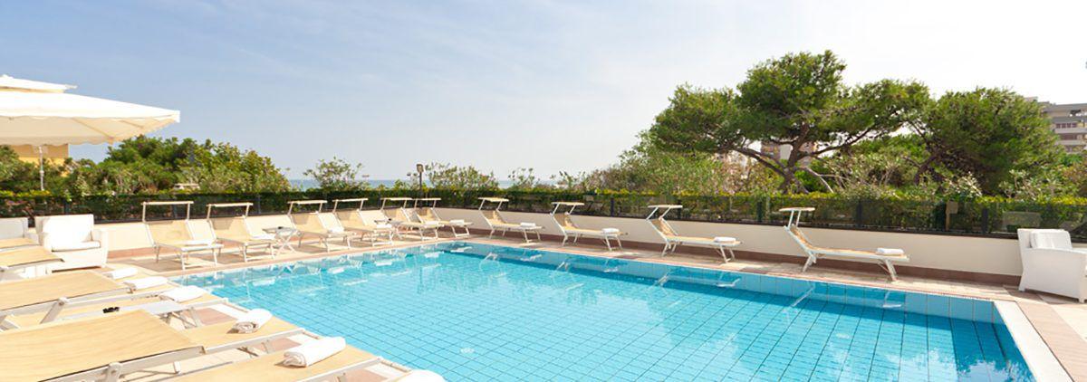 Hotel riccione con terrazza panoramica hotel parco riccione - Piscina di riccione ...